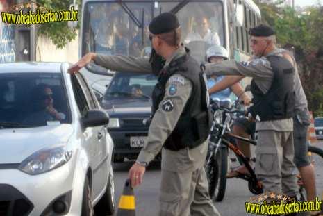 Mais de 6.700 policiais e militares se lançam candidatos