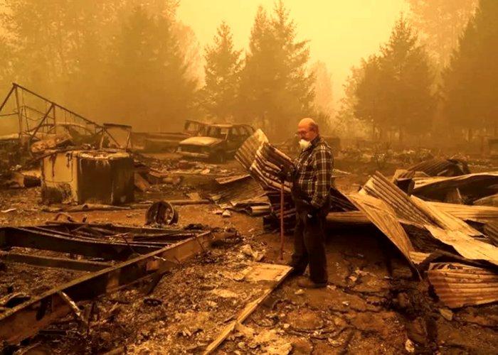 Incêndios devoram a costa oeste dos Estados Unidos