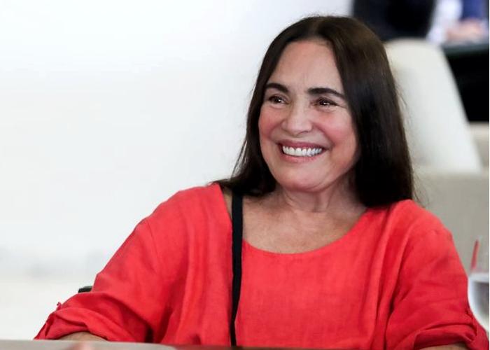 Regina Duarte pede ajuda a Glória Perez para voltar a atuar
