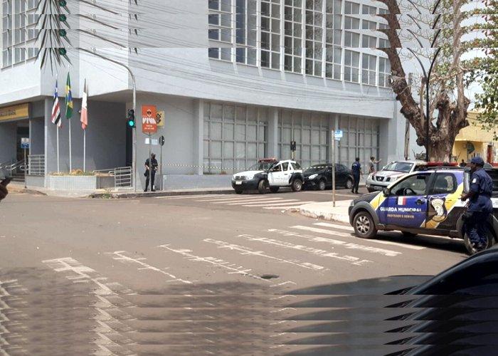 Especialistas retiram explosivos do corpo de gerente do Banco do Brasil