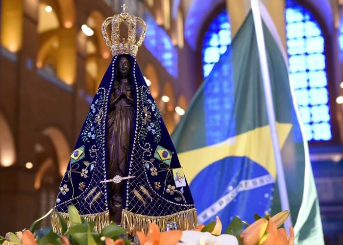 Por que Nossa Senhora Aparecida é a santa padroeira do Brasil ?